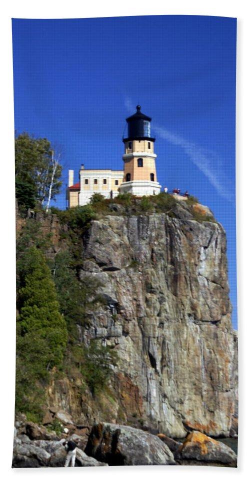 Lighthouse Bath Sheet featuring the photograph Split Rock 2 by Marty Koch