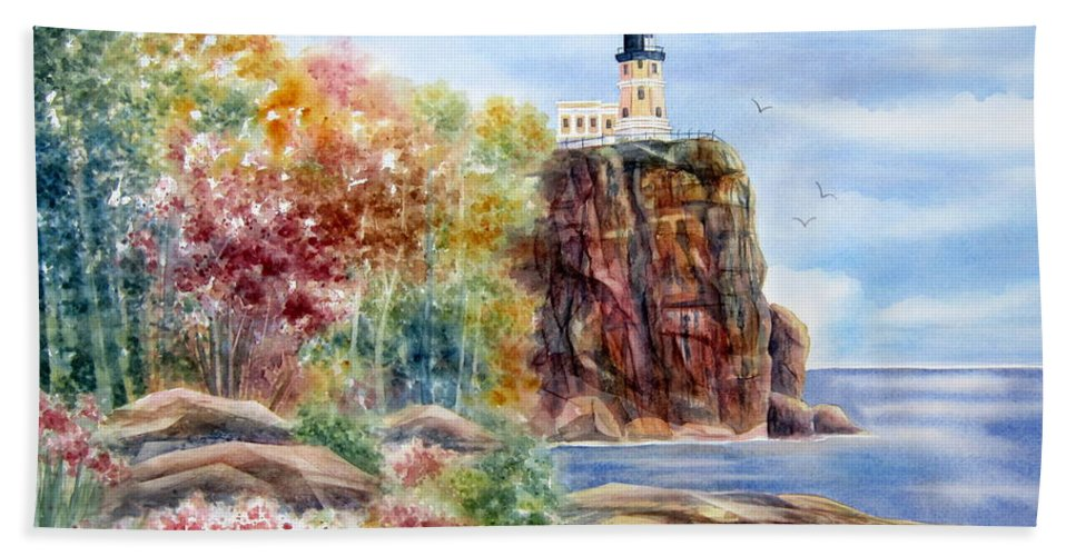 Split Rock Lighthouse Bath Sheet featuring the painting Split Rock Lighthouse by Deborah Ronglien