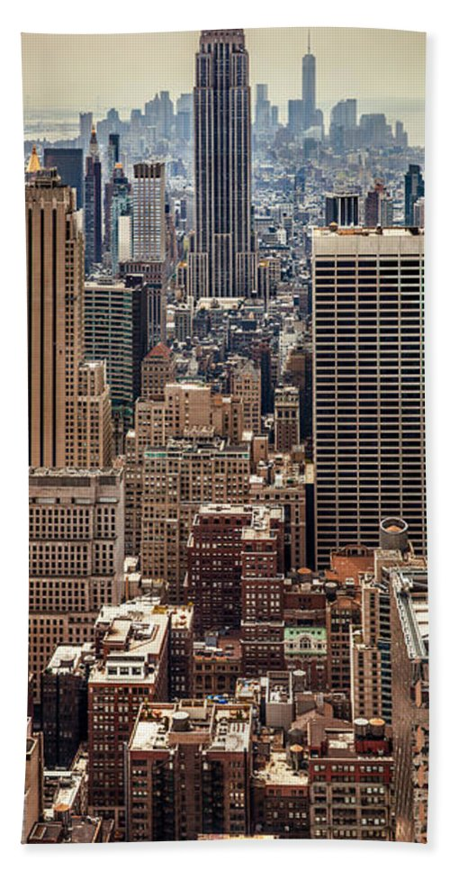 Empire State Building Bath Towel featuring the photograph Sprawling Urban Jungle by Az Jackson
