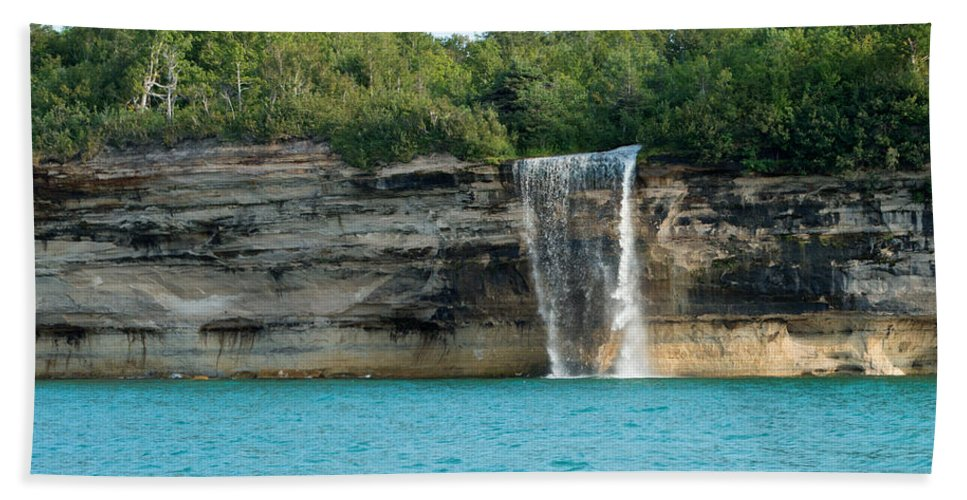 Lake Superior Hand Towel featuring the photograph Spray Falls On The Water by Linda Kerkau
