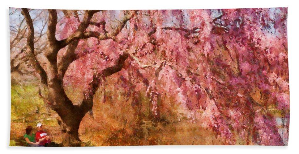 Suburbanscenes Bath Sheet featuring the photograph Spring - Sakura - A Beautiful Spring Day by Mike Savad