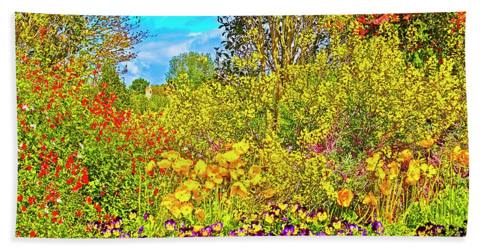 Springtime Delight Hand Towel featuring the photograph Spring Flowers by Edita De Lima