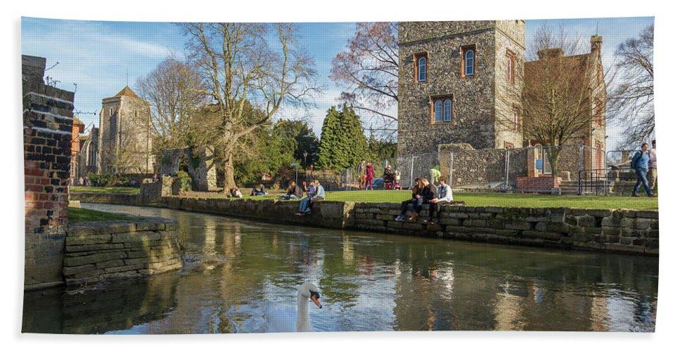 Bird Bath Sheet featuring the photograph Spring In Canterbury by Iordanis Pallikaras