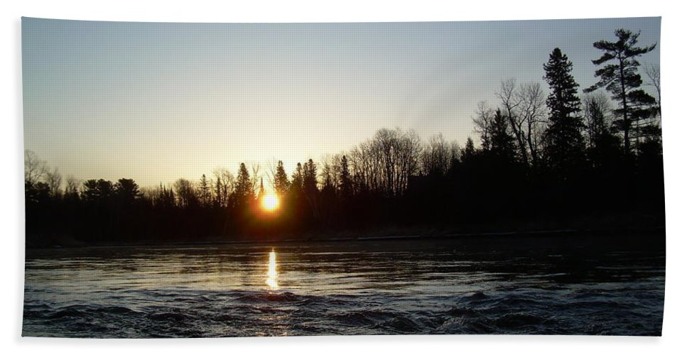 Mississippi River Bath Sheet featuring the photograph Spring Sunrise Over Mississippi River by Kent Lorentzen