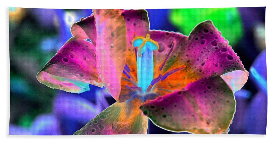 Tulip Hand Towel featuring the photograph Spring Tulips - Photopower 3128 by Pamela Critchlow