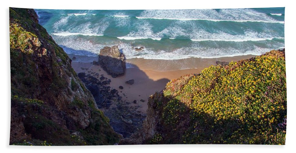 Springtime In Cornwall Cornish Seascape Beach Coast Path Rock Rocks Beach Beaches Newquay West Country Uk England Britain Scenery Landscape Flowers Flower Flora Fauna Pink Blossom Bloom Scene Sea Bath Sheet featuring the photograph Springtime In Cornwall by Cornish Scenes