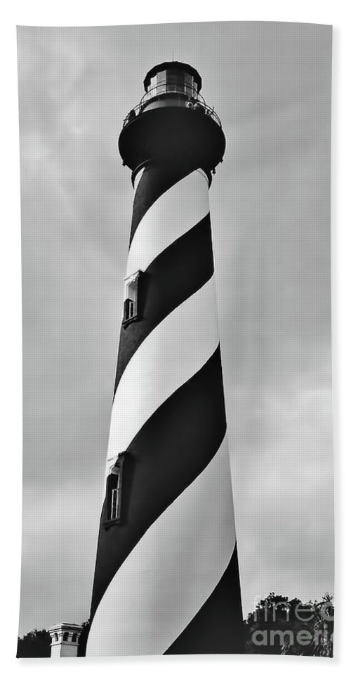 Lighthouse Bath Sheet featuring the photograph St Augustine Lighthouse Bw by D Hackett