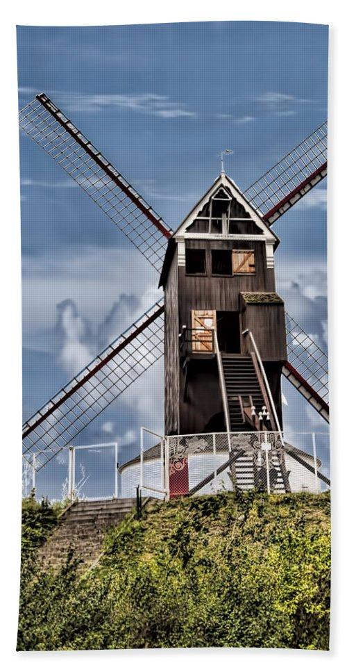 St. Janshuis Windmill Bath Sheet featuring the photograph St. Janshuis Windmill by Phyllis Taylor