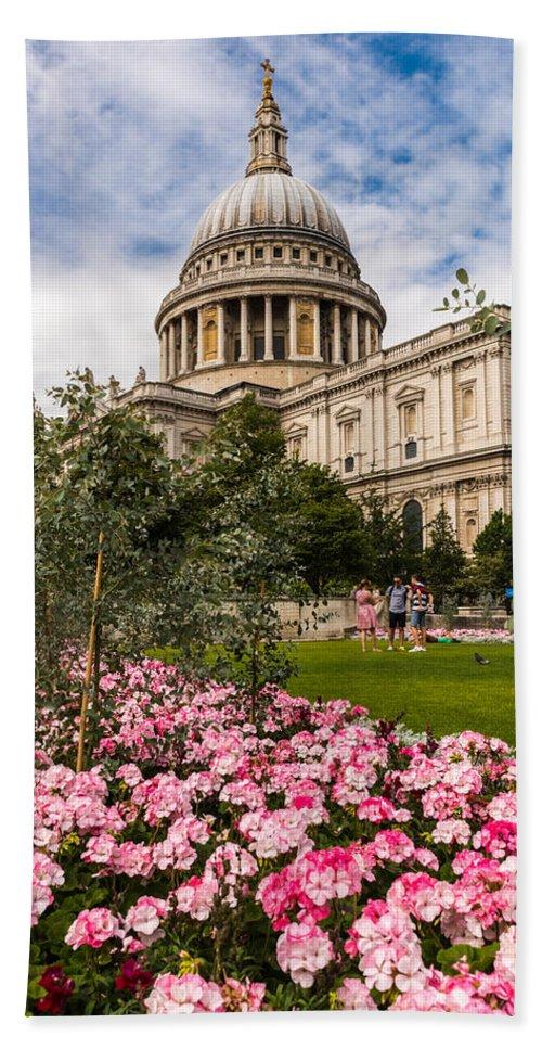 London Hand Towel featuring the photograph St Pauls Summer by Matt Malloy
