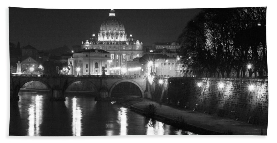 Italy Hand Towel featuring the photograph St. Peters At Night by Donna Corless
