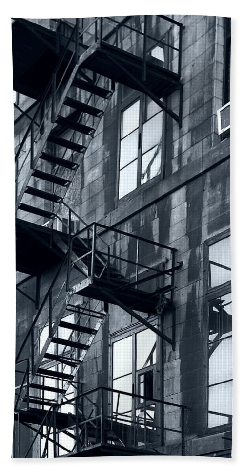 Canada Bath Sheet featuring the photograph Stairs by Pierre Logwin
