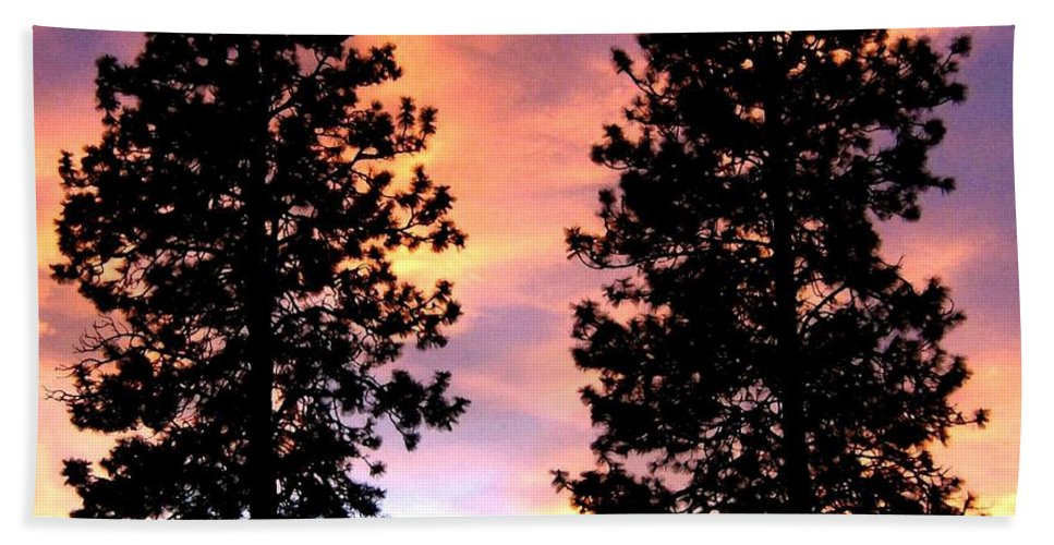 Standing Tall Hand Towel featuring the photograph Standing Tall At Sundown by Will Borden