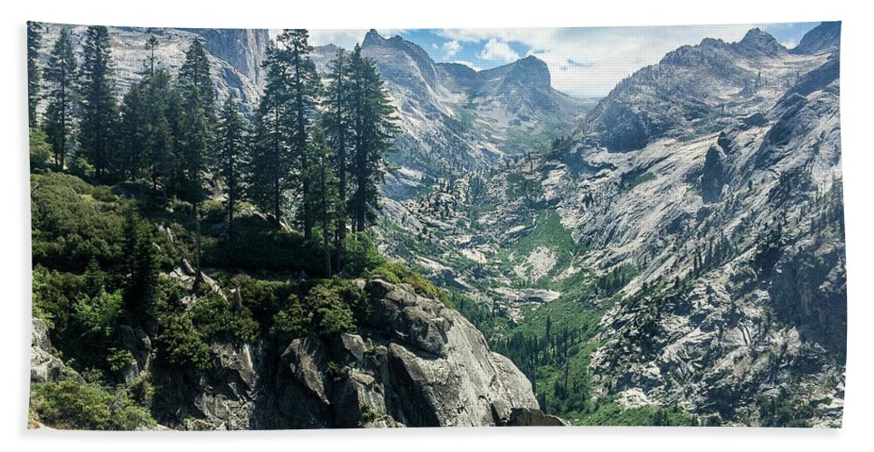 Sierra High Country Hand Towel featuring the photograph Staring At The Continental Divide by Tyler Krol