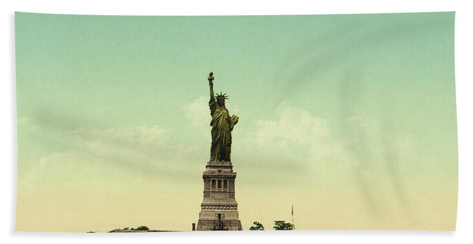 Statue Of Liberty Bath Towel featuring the photograph Statue Of Liberty, New York Harbor by Unknown