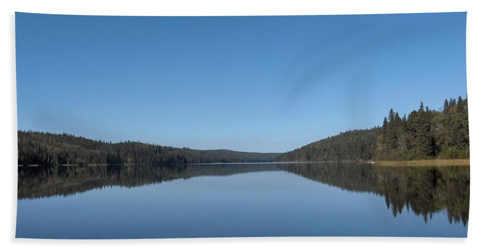 Lake Water Steepbanks Trees Still Scenery Forest Hills Hand Towel featuring the photograph Steepbanks Lake by Andrea Lawrence