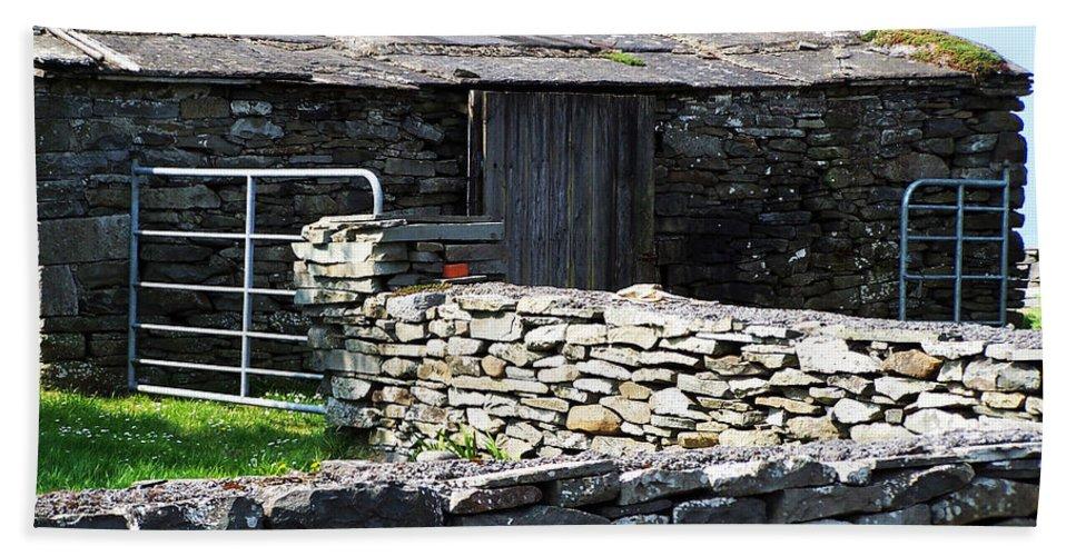 Irish Hand Towel featuring the photograph Stone Barn Doolin Ireland by Teresa Mucha