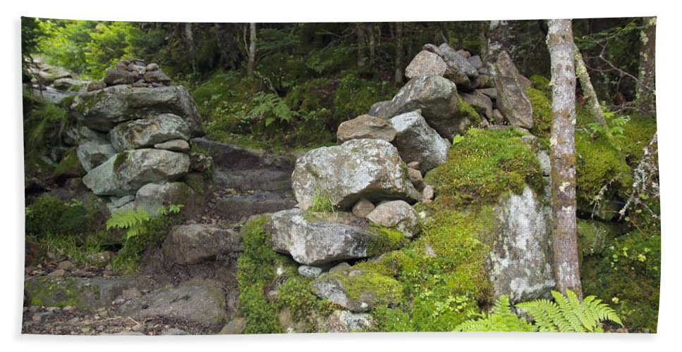 Stonewall Bath Towel featuring the photograph Stone Gate - Edmands Path - White Mountains New Hampshire by Erin Paul Donovan