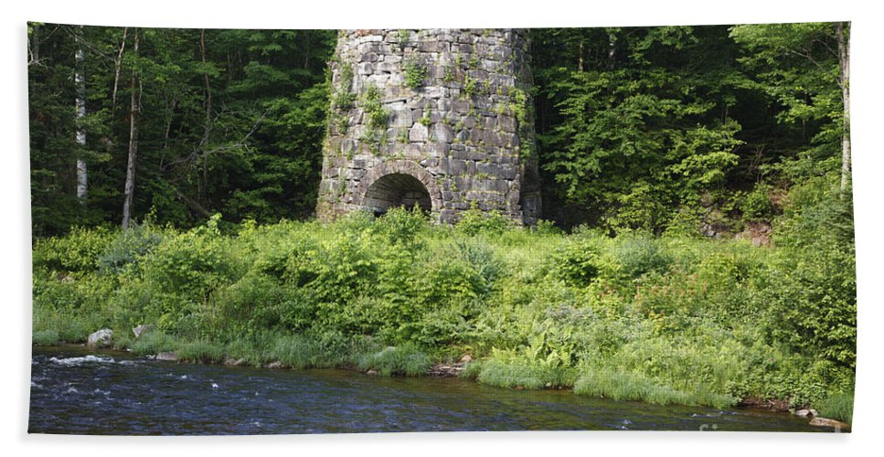 Landscape Bath Sheet featuring the photograph Stone Iron Furnace - Franconia New Hampshire Usa by Erin Paul Donovan