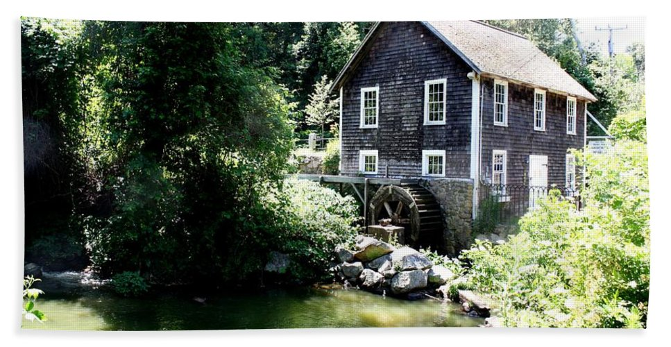 Stony Brook Gristmill & Museum Hand Towel featuring the photograph Stony Brook Gristmill And Museum by Donna Walsh