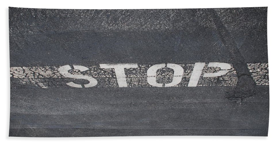 Black And White Bath Sheet featuring the photograph Stop by Rob Hans