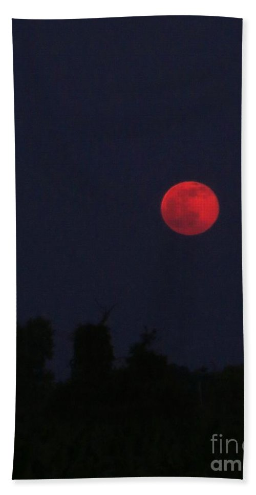 Arkansas Hand Towel featuring the photograph Strawberry Moon by Sandra McClure