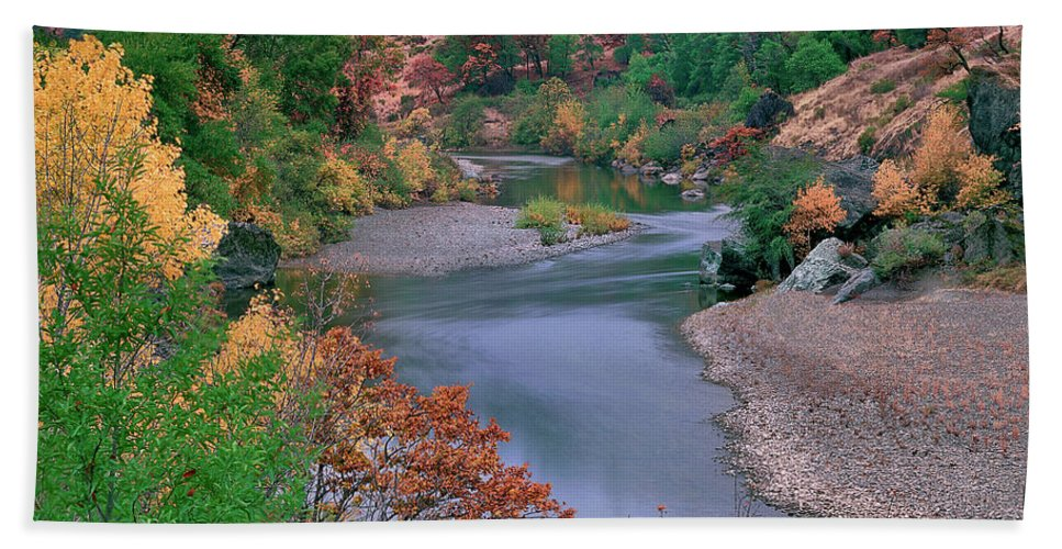 Fall Color Bath Sheet featuring the photograph Stream And Fall Color In Central California by Dave Welling