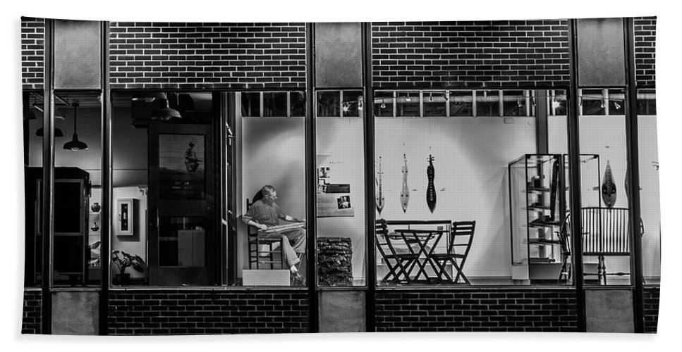 Store Front Bath Sheet featuring the photograph Street Level by Cris Ritchie