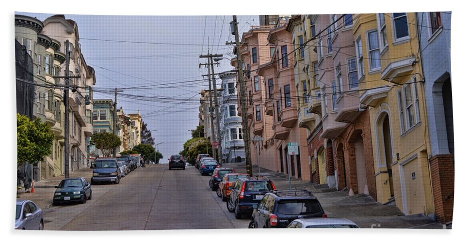 Streets Of San Francisco Hand Towel featuring the photograph Streets Of San Francisco -2 by Tommy Anderson
