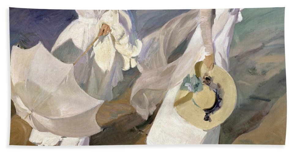 Sorolla Hand Towel featuring the painting Strolling Along The Seashore by Joaquin Sorolla y Bastida