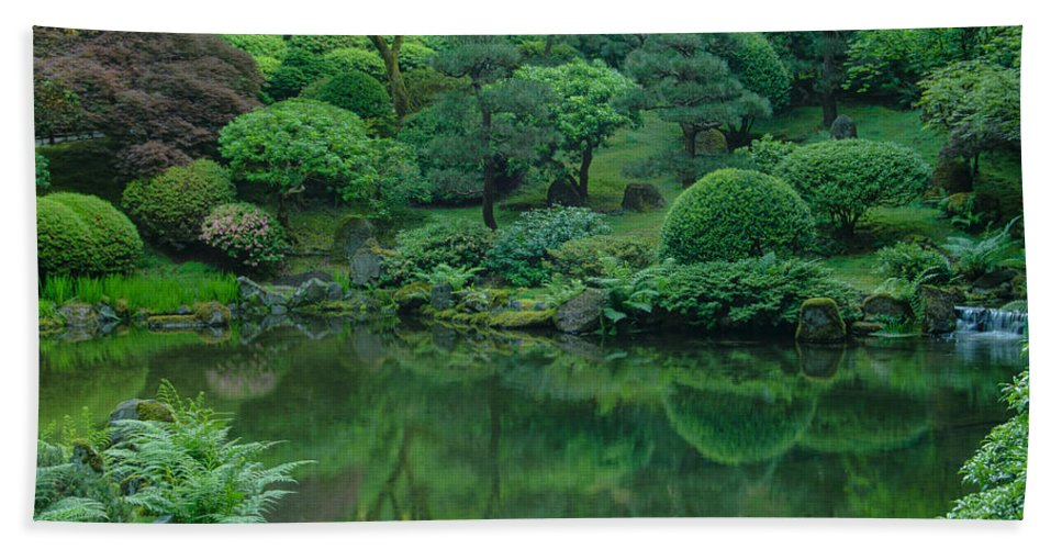 Portland Hand Towel featuring the photograph Strolling Pond Serenity by Don Schwartz
