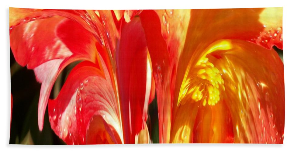 Flowers Bath Sheet featuring the photograph Succulence by Tim Allen