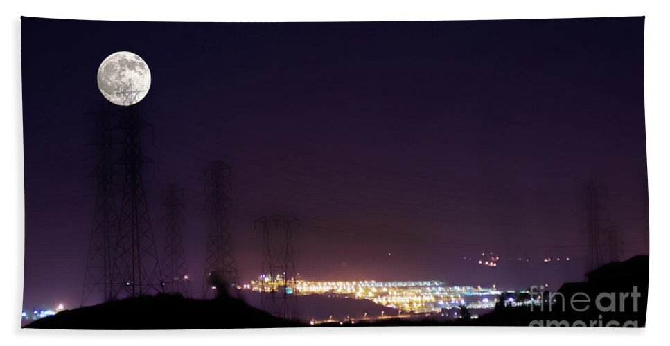 Clay Hand Towel featuring the photograph Summer's Night In The Valley by Clayton Bruster