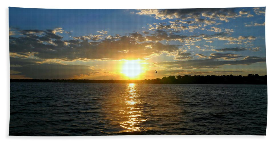 Sunset Hand Towel featuring the photograph Sun Down Day by Diana Angstadt