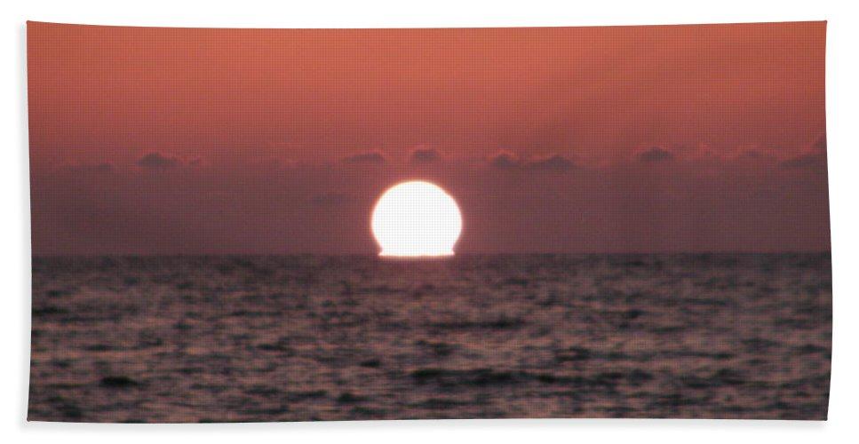 Florida Hand Towel featuring the photograph Sundown At Dunedin by Bill Cannon