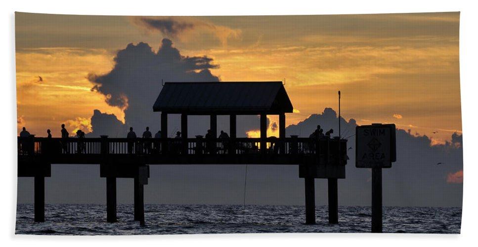 Fishing Hand Towel featuring the photograph Sundown Pier by David Lee Thompson