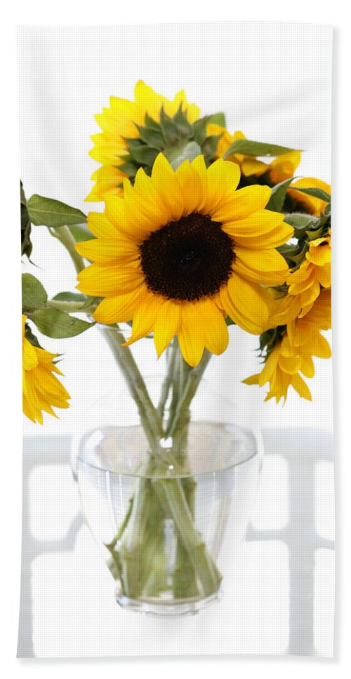 Sunflower Bath Sheet featuring the photograph Sunny Vase Of Sunflowers by Marilyn Hunt