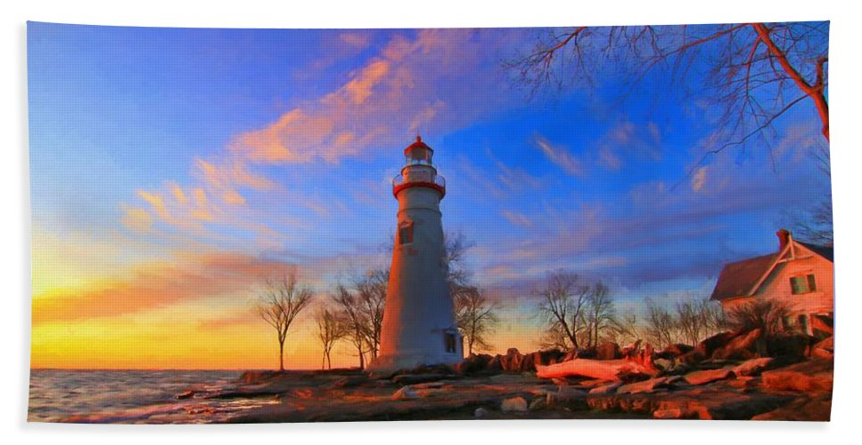 Marblehead Lighthouse Sunrise Bath Sheet featuring the photograph Sunrise At Marblehead Lighthouse Panorama by Dan Sproul