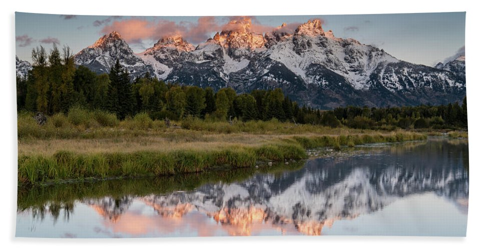 Sunset Hand Towel featuring the photograph Sunrise In Wyoming by Jeremy Duguid