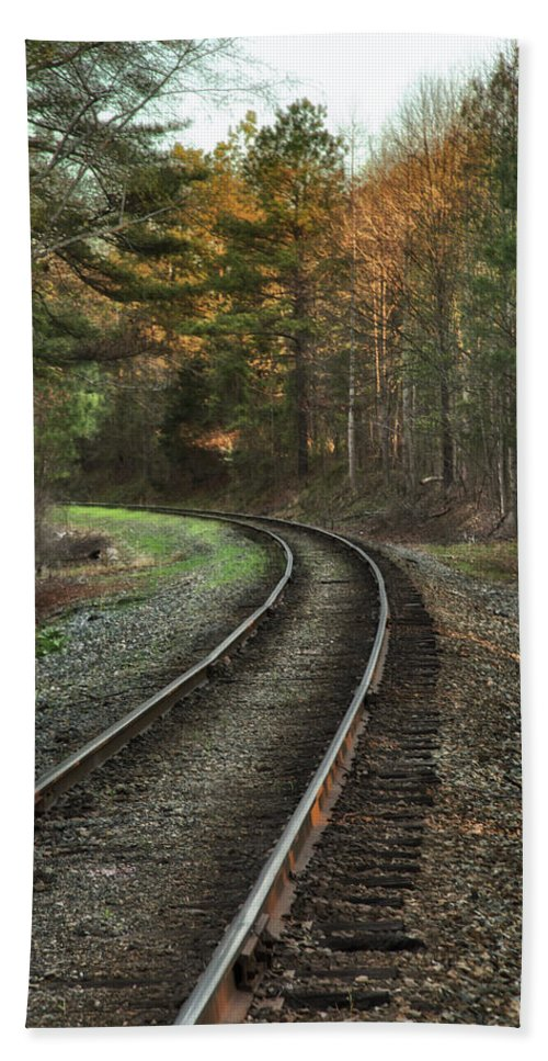 Sunrise Bath Sheet featuring the photograph Sunrise On The Rails by Cliff Middlebrook