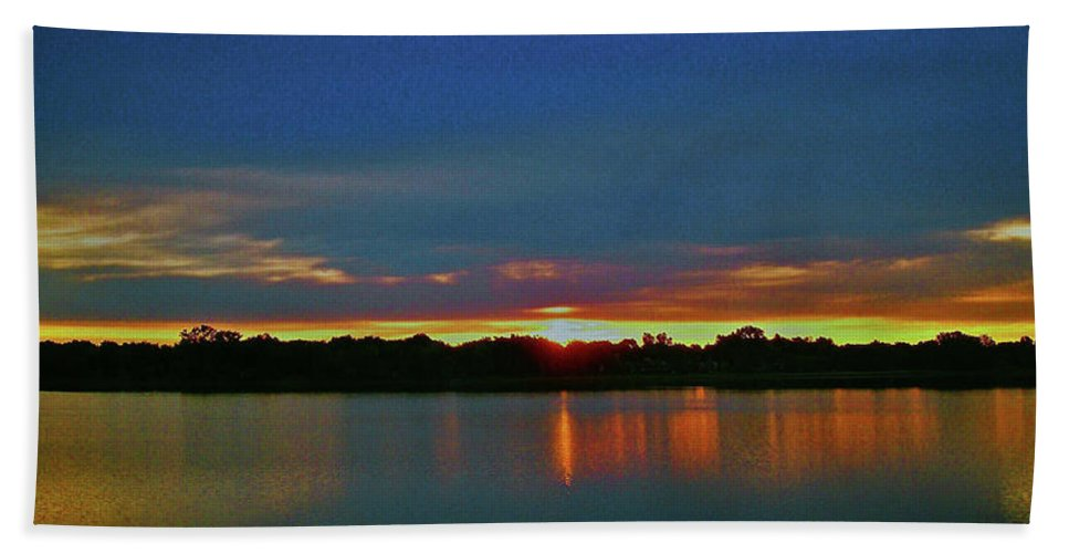 North America Hand Towel featuring the photograph Sunrise Over Ile-bizard - Quebec by Juergen Weiss