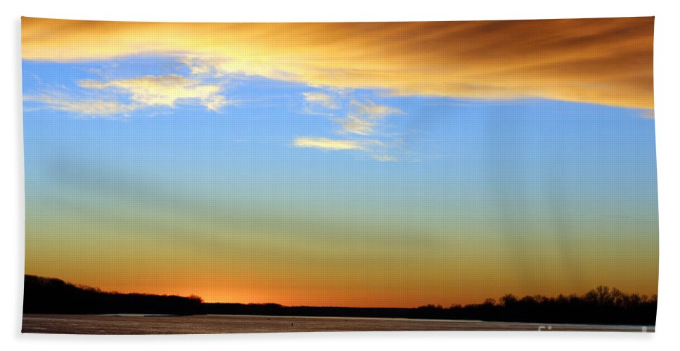 River Hand Towel featuring the photograph Sunrise Over The Mississippi by Jamie Smith