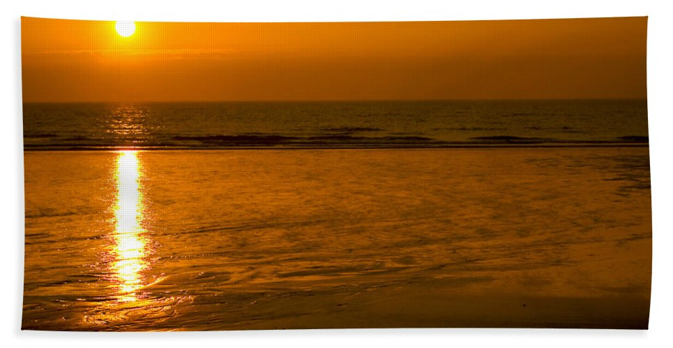 Abstract Hand Towel featuring the photograph Sunrise Over The Ocean by Svetlana Sewell