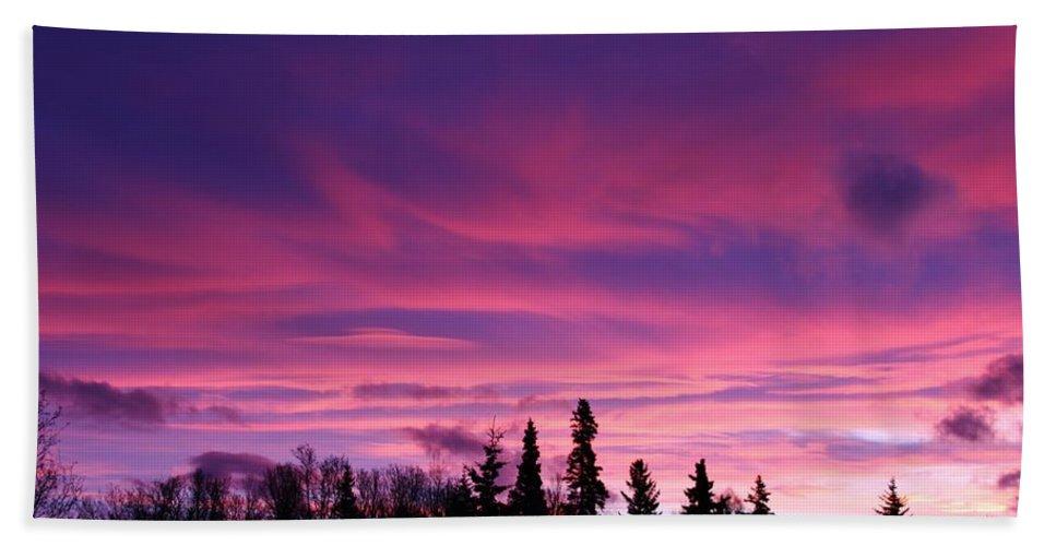 Sunrise Over The Trees Bath Sheet featuring the photograph Sunrise Over The Trees by Lori Mahaffey
