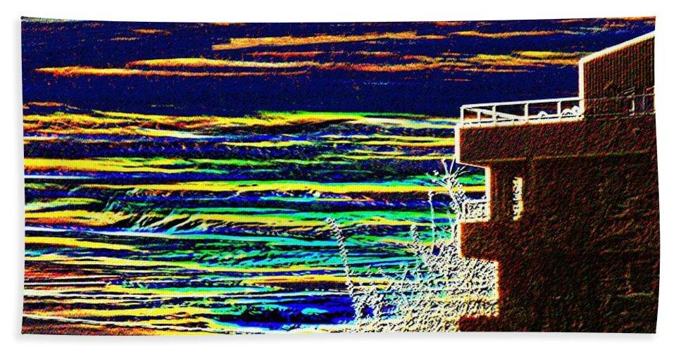 Seattle Bath Towel featuring the digital art Sunset 1 by Tim Allen