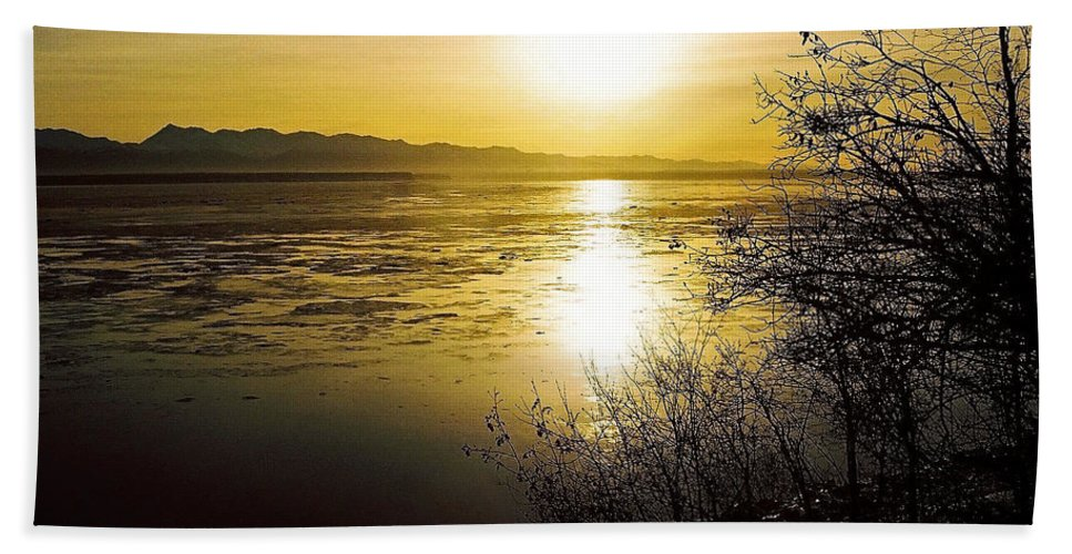 North America Bath Sheet featuring the photograph Sunset At Cook Inlet - Alaska by Juergen Weiss