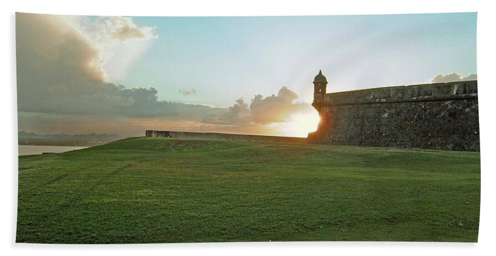 Sunset Bath Sheet featuring the photograph Sunset At El Morro by Gary Wonning