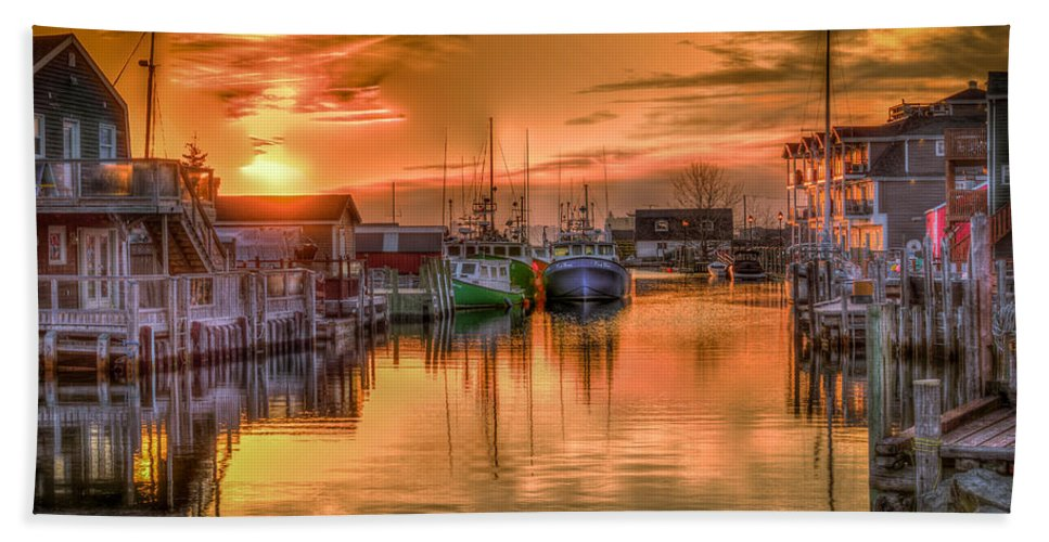 Landscape Hand Towel featuring the photograph Sunset At Fisherman's Cove by Jeff Connell