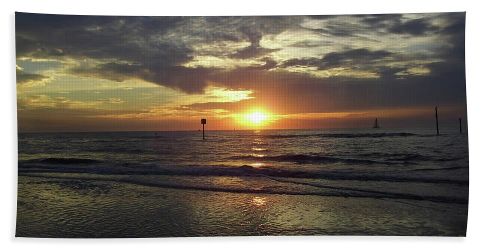 Sunset Bath Sheet featuring the photograph Sunset Beauty At Clearwater by D Hackett
