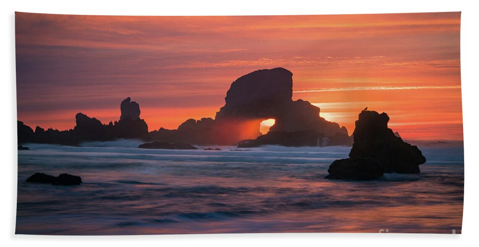 America Hand Towel featuring the photograph Sunset Behind Arch At Oregon Coast Usa by William Freebilly photography