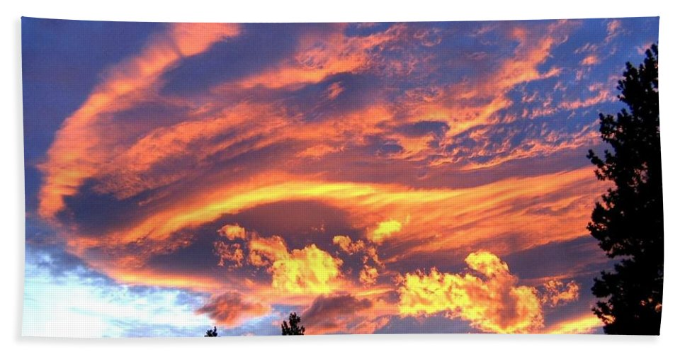 Sunset Hand Towel featuring the photograph Sunset Extravaganza by Will Borden